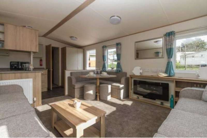 3 Bedrooms Mobile Home for sale in Whitecliff Bay Holiday Park, Hillway Road, Bembridge, Isle of Wight
