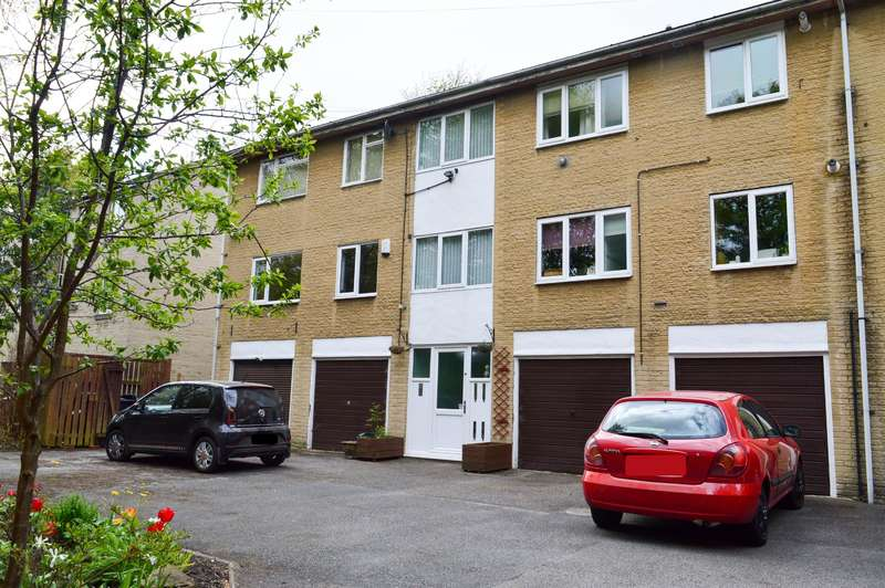 2 Bedrooms Flat for sale in Craven Court, Halifax, HX1 5LY