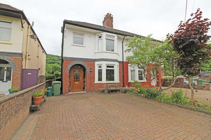 3 Bedrooms Semi Detached House for sale in Leon Avenue, Taffs Well