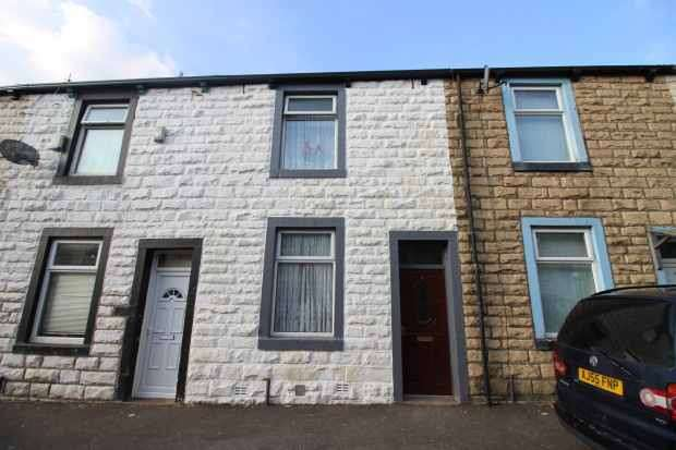 4 Bedrooms Terraced House for sale in Ford Street, Burnley, Lancashire, BB10 1QU