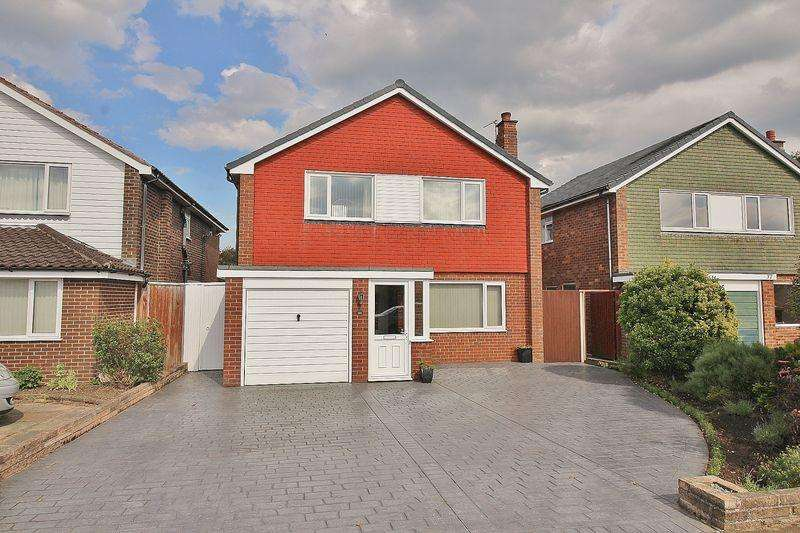 4 Bedrooms Detached House for sale in Bowness Avenue, Ainsdale