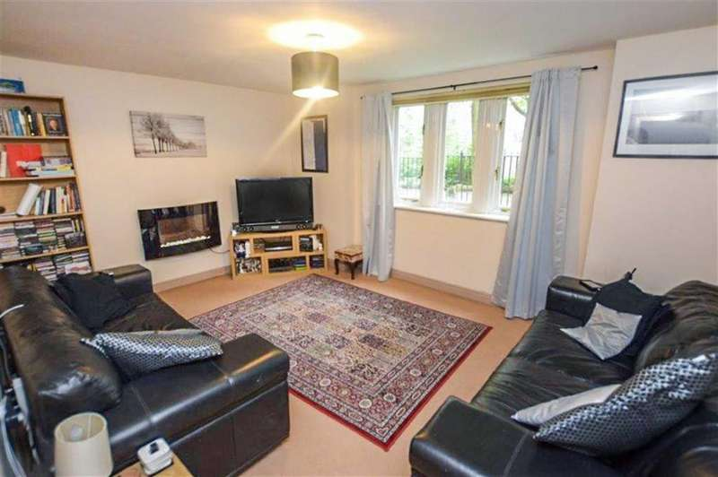 2 Bedrooms Apartment Flat for sale in Trinity Court, Salford, Greater Manchester, M3