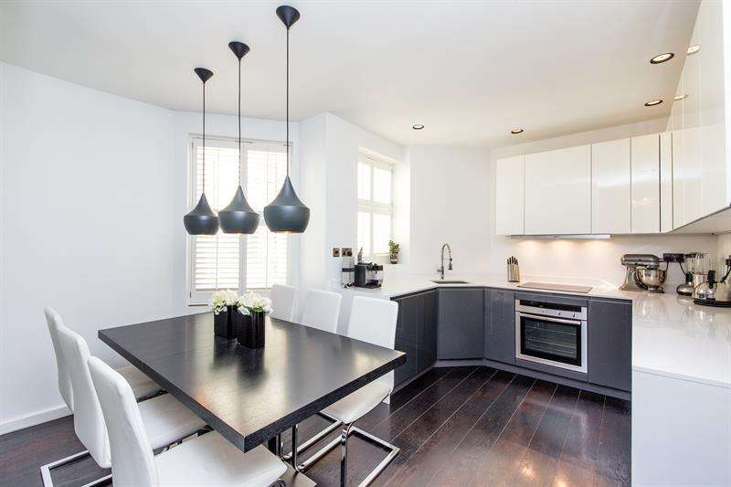 3 Bedrooms Flat for sale in Unwin Mansions, Queen's Club Gardens, Barons Court, London, W14