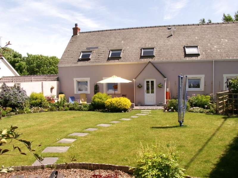 5 Bedrooms Bungalow for sale in Elm Cottage, Upper Thornton, Milford Haven, Pembrokeshire