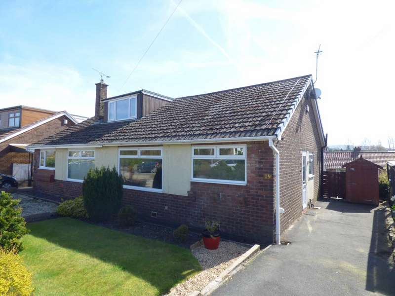 2 Bedrooms Semi Detached Bungalow for sale in Liskeard Avenue, Royton, Oldham, OL2