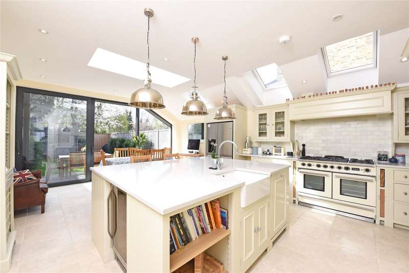 5 Bedrooms Terraced House for sale in Pulborough Road, London, SW18