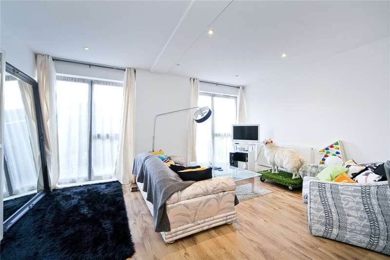 3 Bedrooms Flat for sale in Glebe Road, Dalston, E8