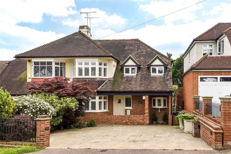 4 Bedrooms Semi Detached House for sale in Forest Edge, Buckhurst Hill, Essex, IG9