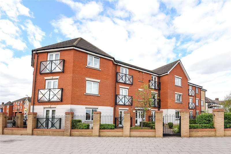 2 Bedrooms Flat for sale in Oakside Court, Fencepiece Road, Ilford, Essex, IG6