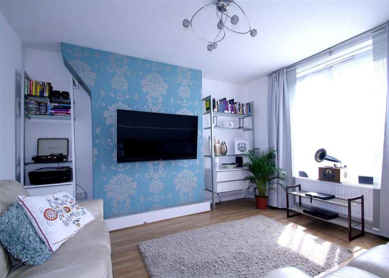 3 Bedrooms Apartment Flat for sale in Orb Street, London