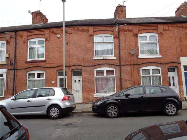 2 Bedrooms Terraced House for sale in Mere Road
