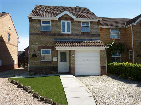 3 Bedrooms Detached House for sale in ST EDMUNDS COURT, GRIMSBY