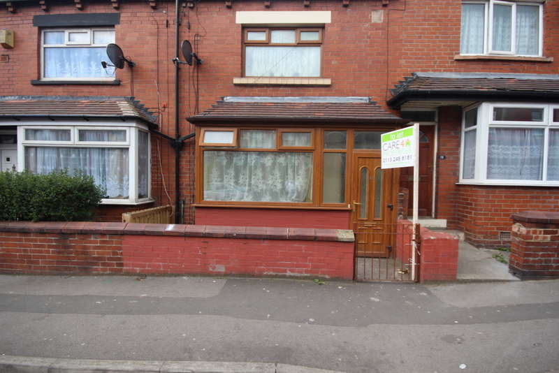 2 Bedrooms Terraced House for rent in Berkeley Avenue, Leeds, West Yorkshire, LS8