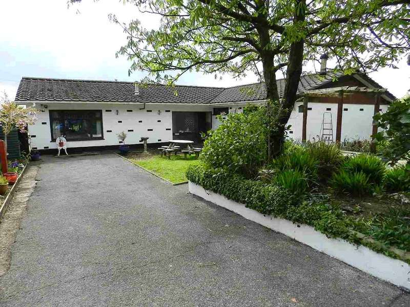 4 Bedrooms Detached Bungalow for sale in North Pines, Wiston, Haverfordwest, Pembrokeshire