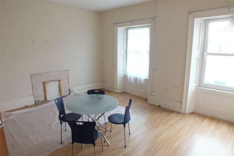 3 Bedrooms Flat for sale in Flat 1, Meyrick Street, Pembroke Dock, Pembrokeshire