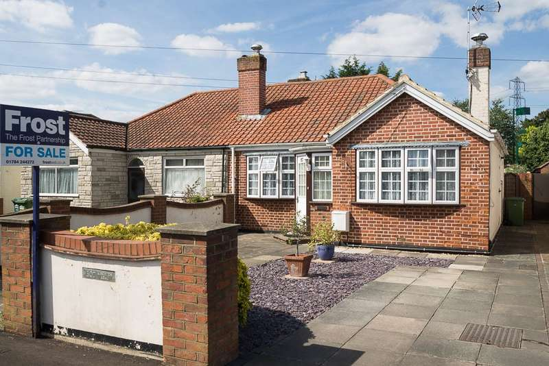 2 Bedrooms Bungalow for sale in Kingston Road, Ashford, TW15