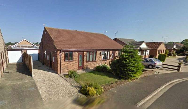 2 Bedrooms Bungalow for sale in Parkers Close, Burgh Le Marsh, Skegness