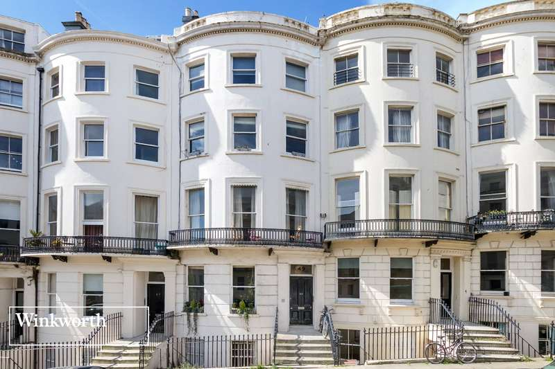 2 Bedrooms Flat for sale in Brunswick Place, Hove, East Sussex, BN3