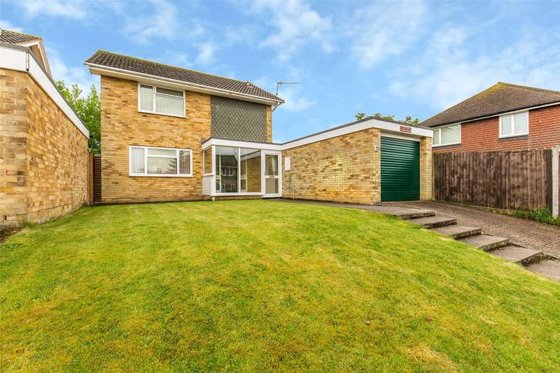 3 Bedrooms Detached House for sale in Roseacre, Hurst Green, Surrey, RH8