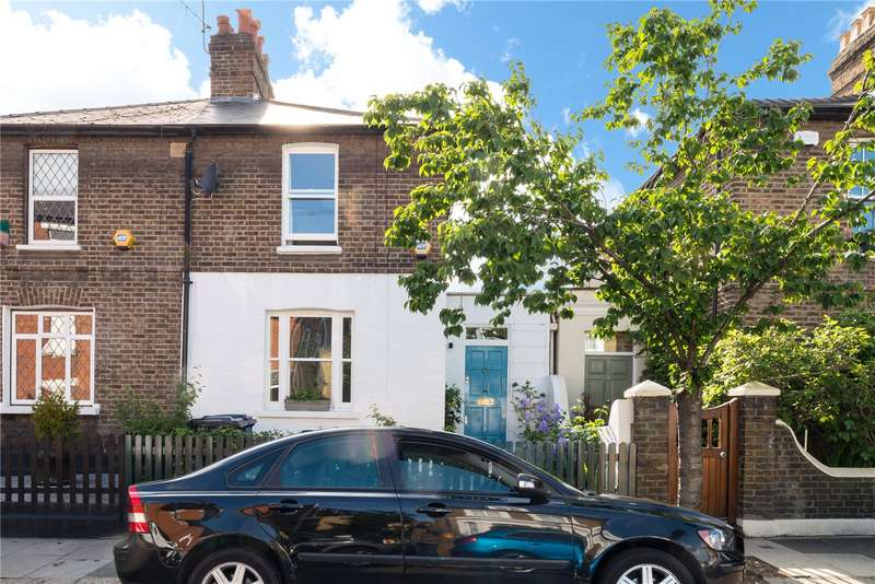 3 Bedrooms House for sale in Myrtle Road, London, W3