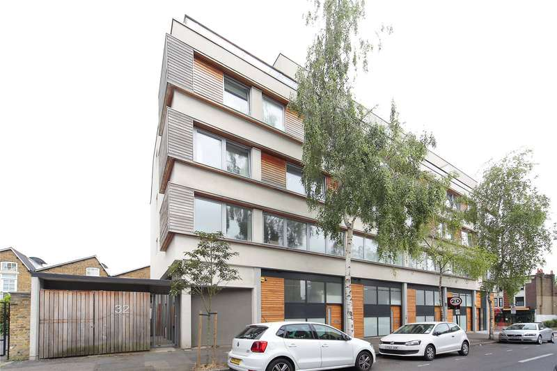 1 Bedroom Flat for sale in Northbourne Road, Clapham Common, London, SW4