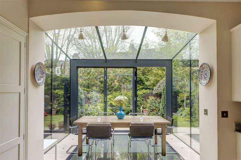 5 Bedrooms House for sale in Glenmore Road, Belsize Park, NW3