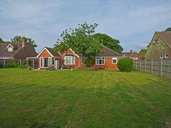 5 Bedrooms Bungalow for sale in Chidham, Chichester, West Sussex