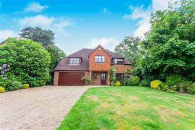 5 Bedrooms Detached House for rent in Beech Close, Cobham, KT11