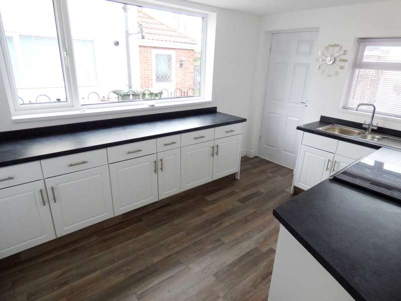 3 Bedrooms Semi Detached House for sale in ***REDUCED BY 10,000*** Sycamore Road, Redcar
