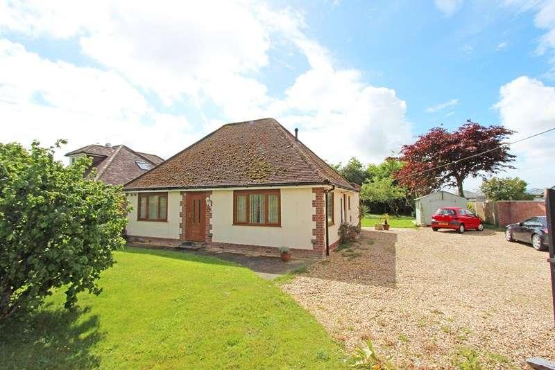 3 Bedrooms Detached Bungalow for sale in Kings Lane, Sway, Lymington
