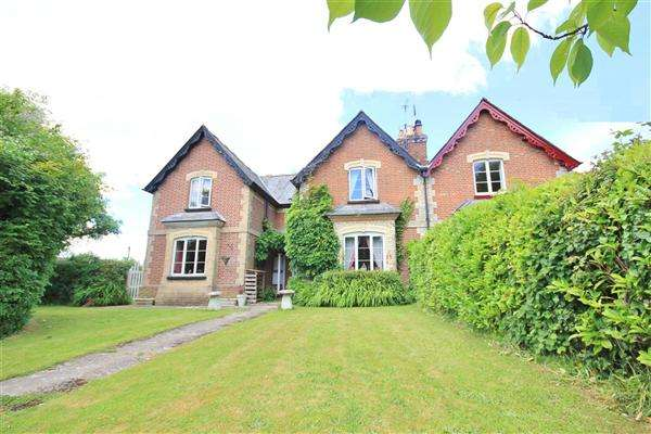 5 Bedrooms Semi Detached House for sale in Dorchester Road, Lytchett Minster, Poole