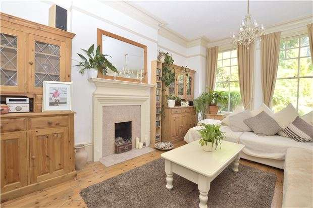 5 Bedrooms Semi Detached House for sale in Springfield Road, TN38 0TY