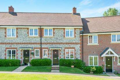 3 Bedrooms Terraced House for sale in Upper Timsbury, Romsey, Hampshire