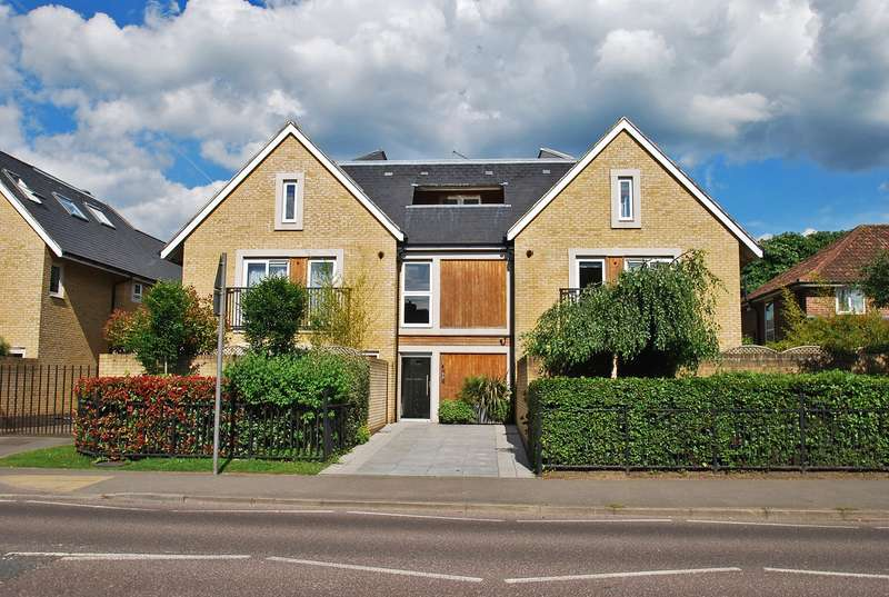 2 Bedrooms Flat for sale in Crown Studios, Station Road, Beaconsfield, HP9