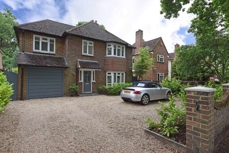 4 Bedrooms Detached House for sale in Canterbury Road, Farnborough, GU14