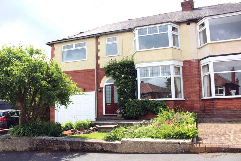 4 Bedrooms Semi Detached House for sale in Kermoor Avenue, Sharples