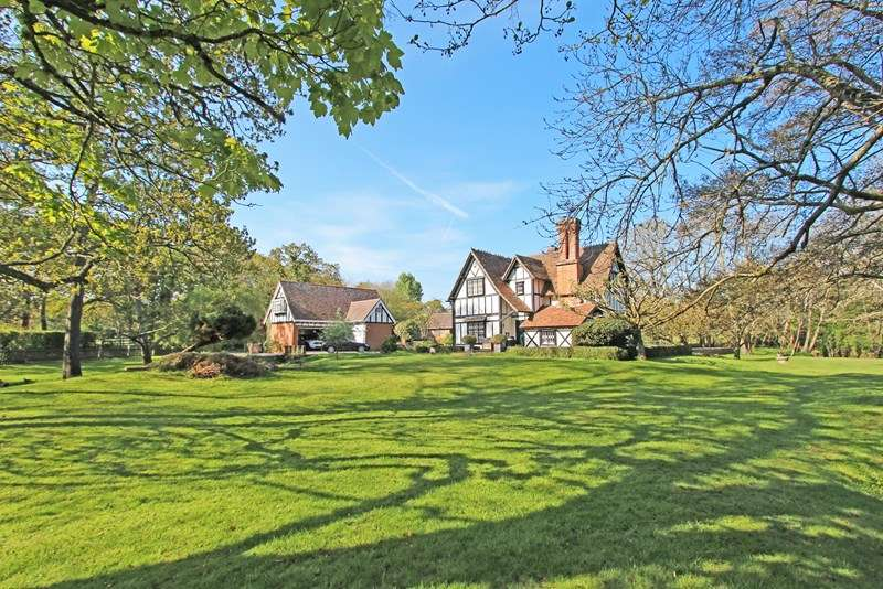 4 Bedrooms Detached House for sale in Mill Lane, Brockenhurst