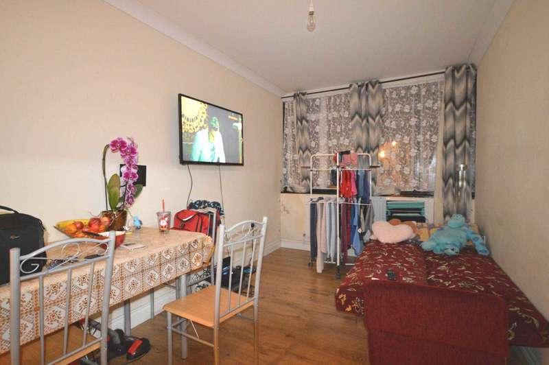 1 Bedroom Flat for sale in Wallend Road, East Ham