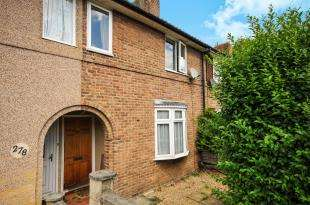 2 Bedrooms Terraced House for sale in Reigate Road, Bromley, .
