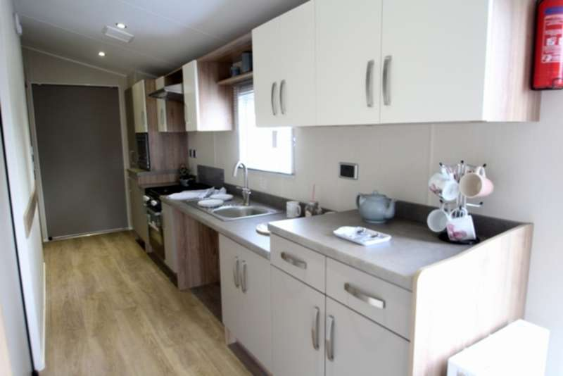 2 Bedrooms Mobile Home for sale in Willerby Rio Premier (CO15 6LY)