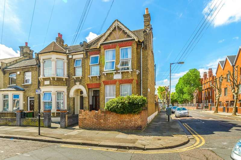 3 Bedrooms Flat for sale in Credon Road, Plaistow, E13