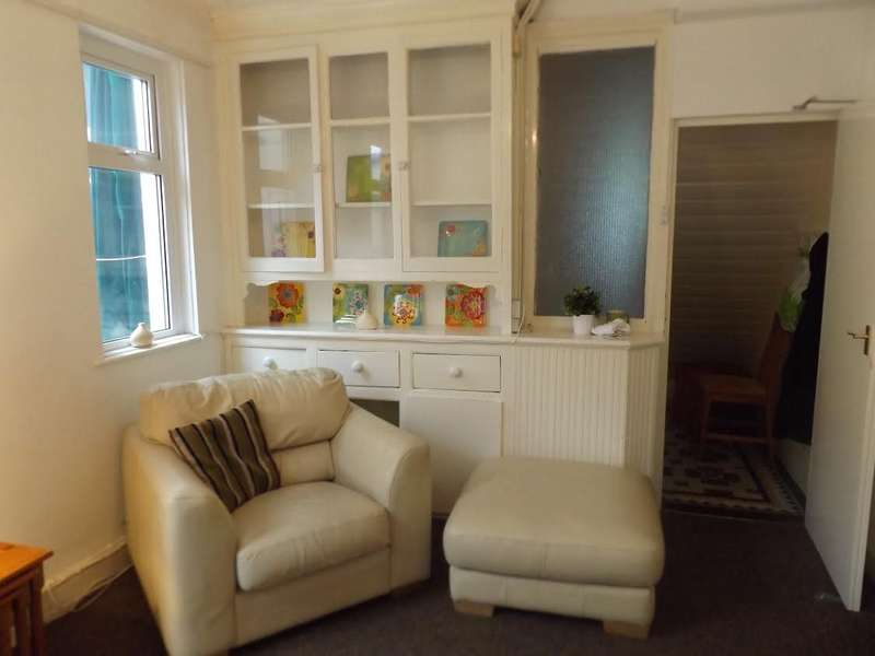 4 Bedrooms House for rent in Allensbank Road, Heath, Cardiff