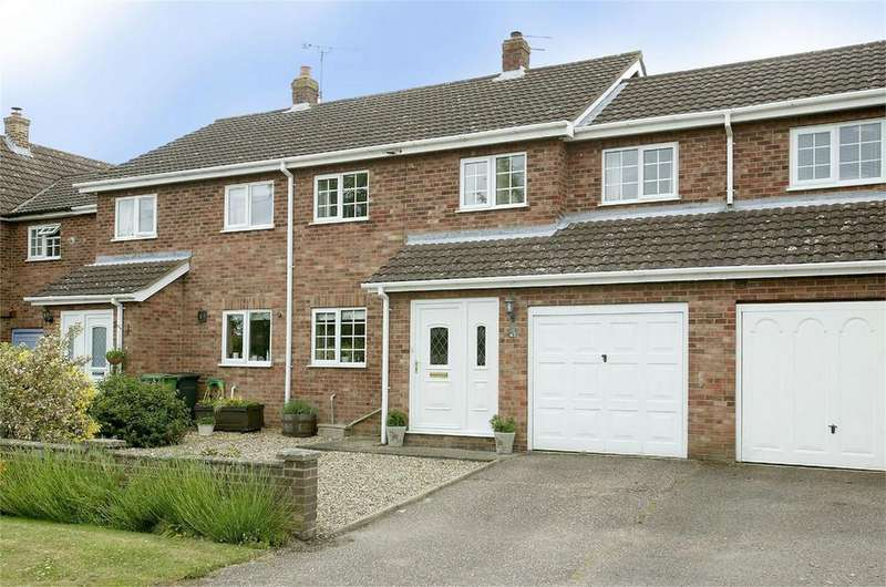 3 Bedrooms Terraced House for sale in Littlefields, Dereham, Norfolk