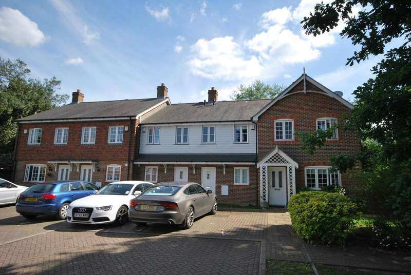 2 Bedrooms Terraced House for sale in Autumn Grove Bromley BR1