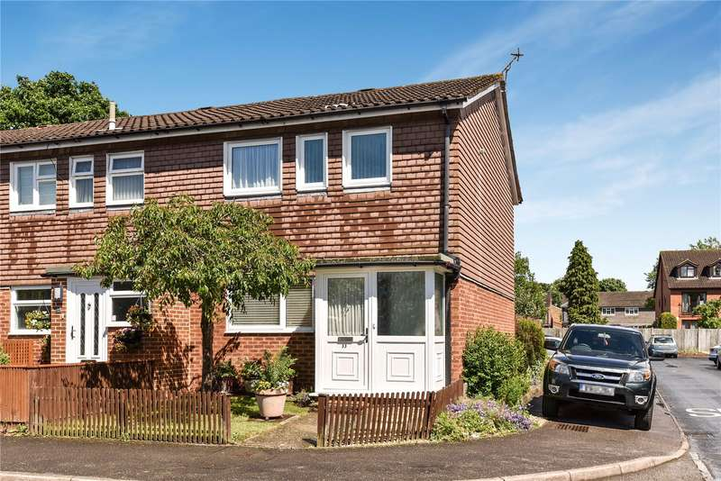 3 Bedrooms Semi Detached House for sale in Durham Road, Owlsmoor, Sandhurst, Berkshire, GU47