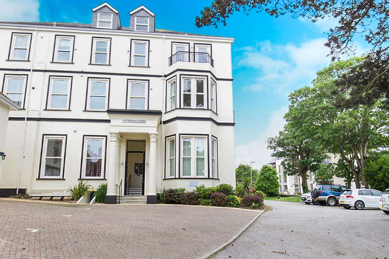 2 Bedrooms Flat for sale in Bar Road, Falmouth, TR11