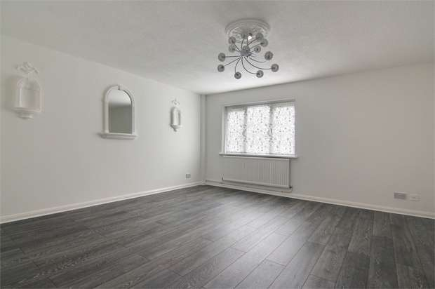 4 Bedrooms End Of Terrace House for sale in Gurney Close, Walthamstow, London