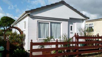 1 Bedroom Bungalow for sale in Gwallon, Marazion, Cornwall