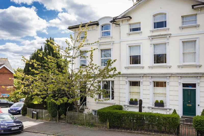 2 Bedrooms Apartment Flat for sale in Church Road, Southborough