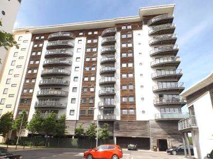 2 Bedrooms Flat for sale in Picton, Victoria Wharf, Watkiss Way, Cardiff
